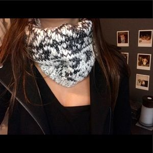 Accessories - Knitted Neck Warmer